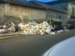 Reggio Calabria: problema spazzatura via Sbarre Centrali