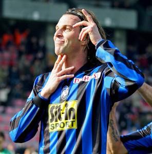 Cristiano Doni esulta dopo un gol